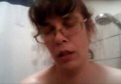 Mira a la cámara # 38 Una videos de sexo audio latino esposa sumisa (mordaza de bola)